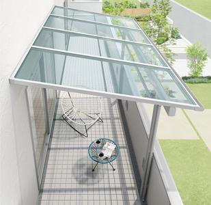 リクシルのスピーネF型単体バルコニー屋根